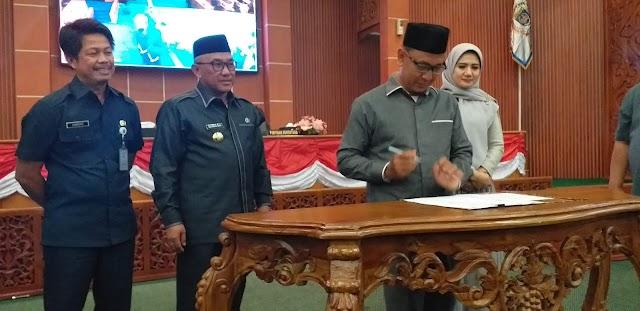 Pimpinan Definitif DPRD Kota Depok Periode 2019-2024 Disahkan