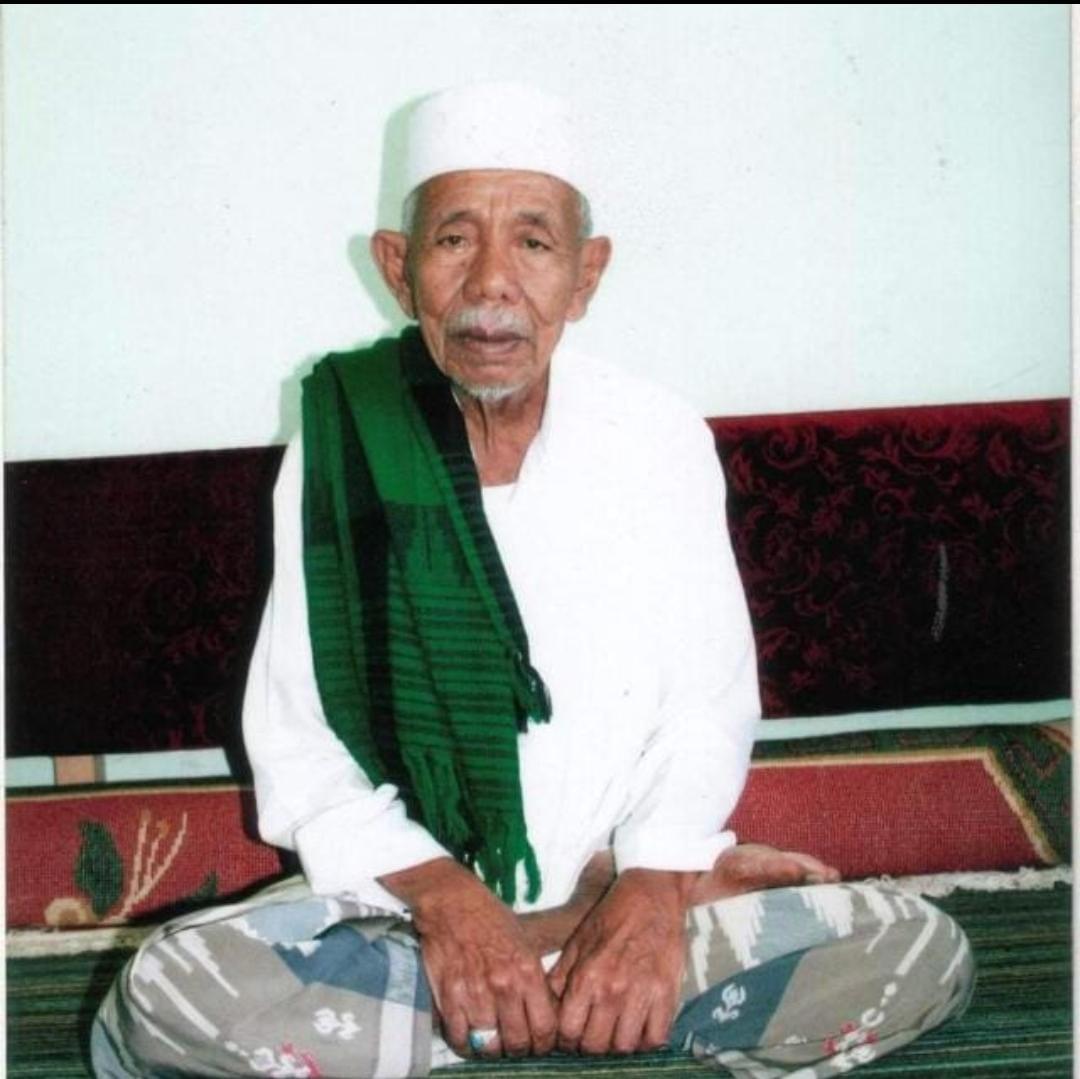 Cucu beliau yg bertempat tinggal di Wonosobo abah dari habib Ahmad alathas