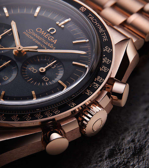Omega Speedmaster Moonwatch in Sedna gold