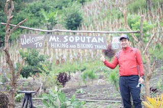 Wagub Steven Kandouw Hiking di Gunung Soputan