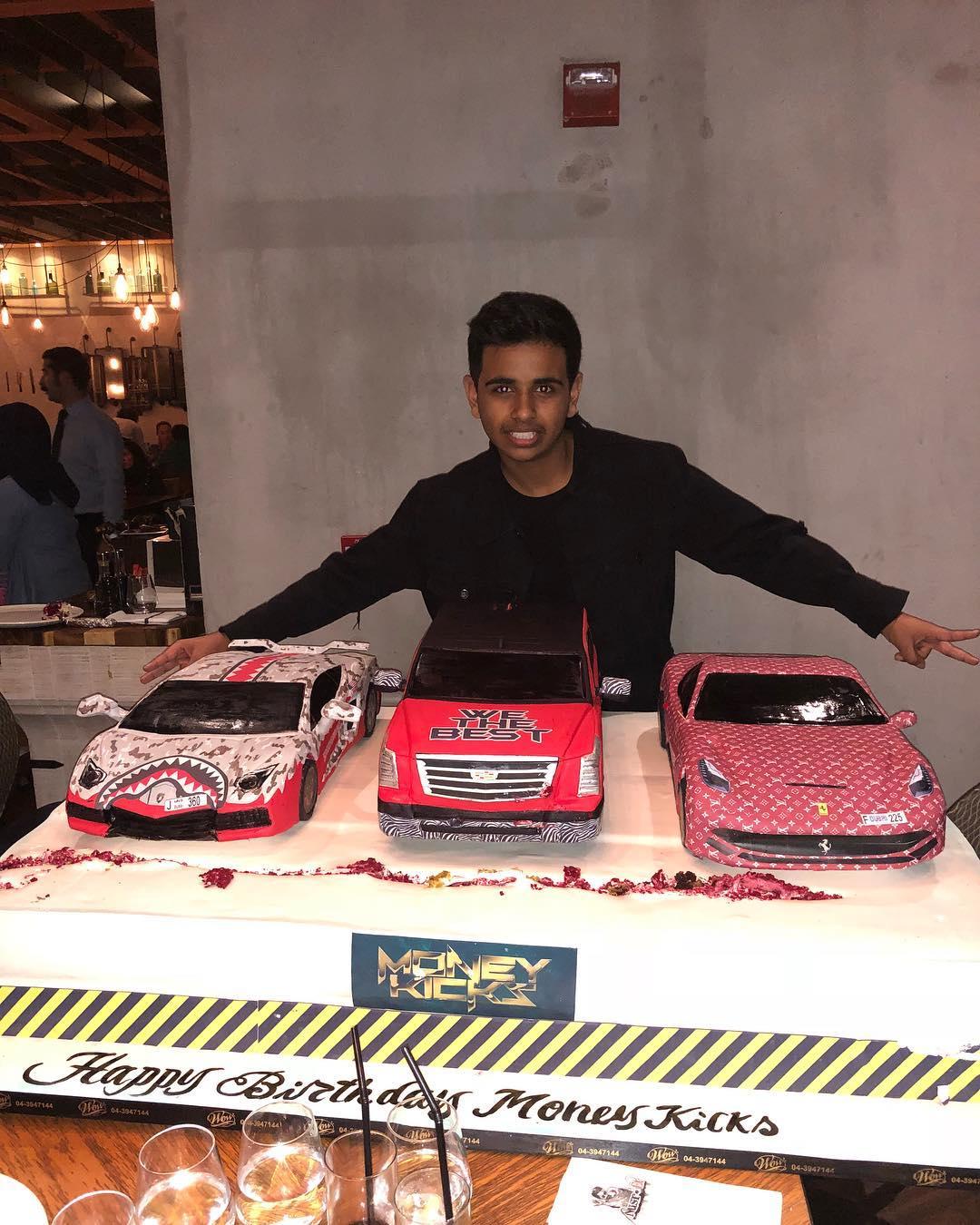 Richest Kid In Dubai >> Photo Of The Day Dubai Richest Kid Money Kicks 16th Birthday Cake