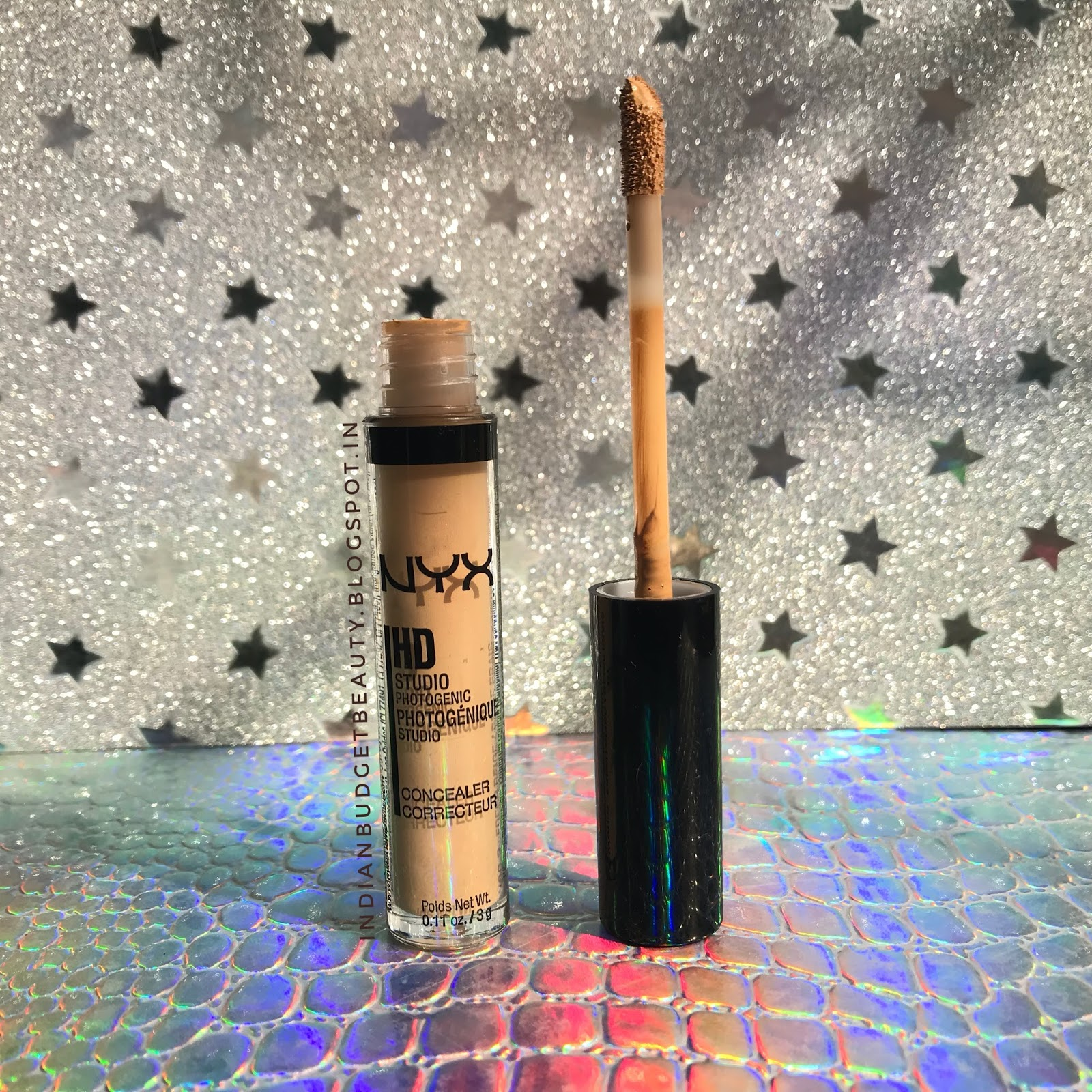 The packaging is very sleek and has a doe-foot applicator, which is perfect for concealing and correcting. The packaging is small and travel friendly and ...