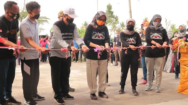 Bunda Indah Resmikan TPS Banjarwaru