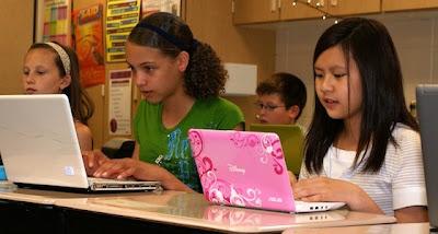 Tips Manfaatkan Social Media Bagi Guru Dan Murid
