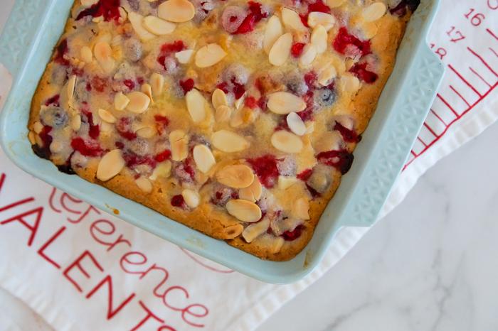 Glazed Cranberry Almond Bars | bakeat350.net