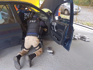 PRF prende Servidor Público com 70 Kg de maconha em Registro-SP