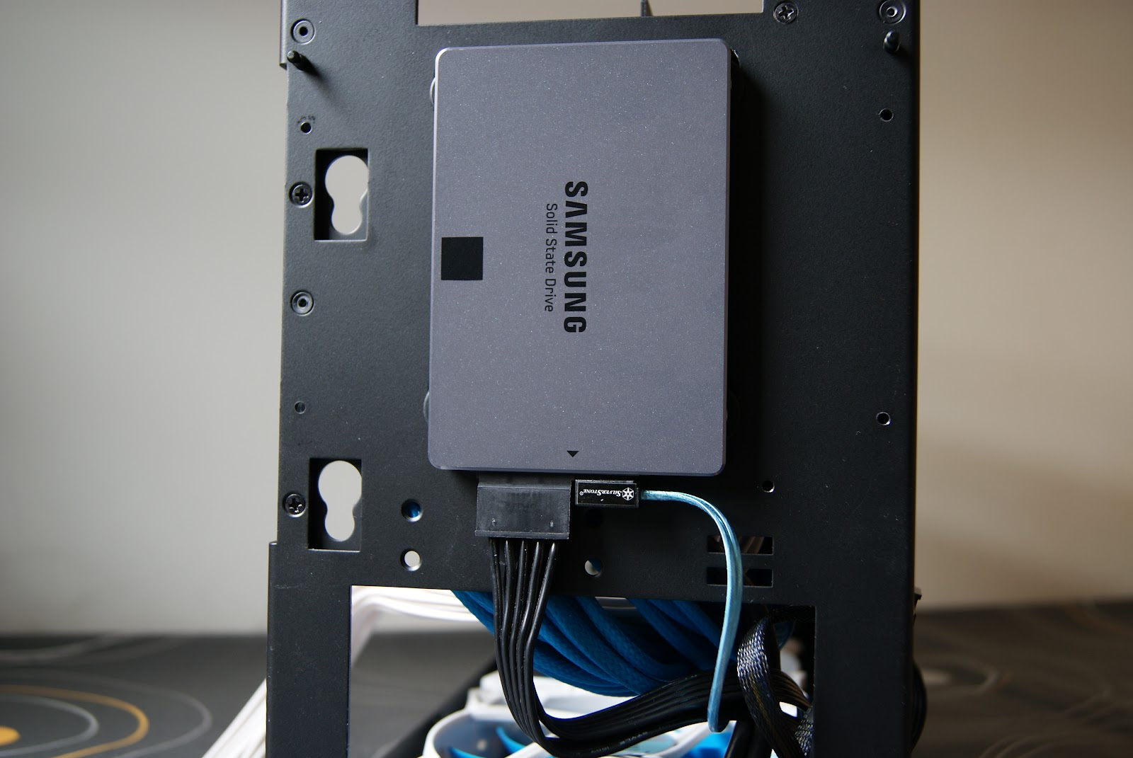 SSD 840 EVO 1TB - NCASE M1 Mini-ITX