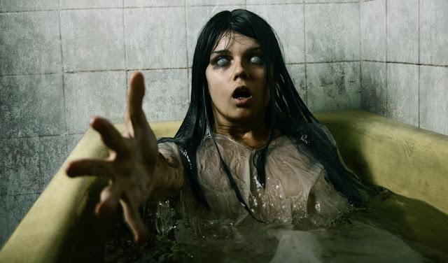 cara ampuh lihat hantu mandi tempat gelap