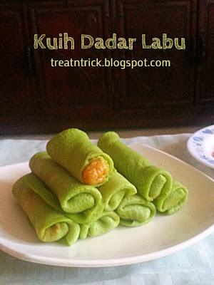 Kuih Dadar Labu/Pumpkin Crepes Recipe @ treatntrick.blogspot.com