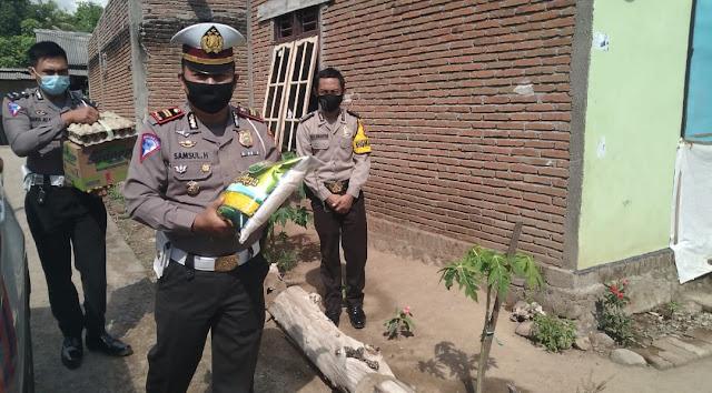Polres Sumbawa Berikan Tali Asih Kepada Warga Kurang Mampu