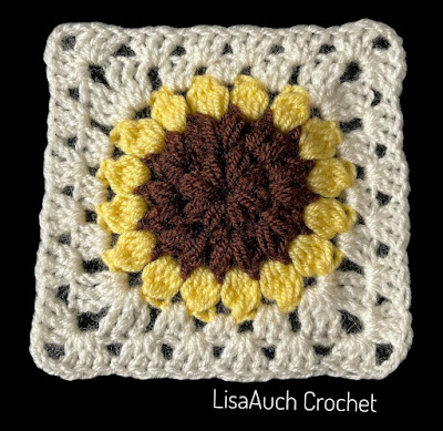 Crochet Granny Square with flower pattern