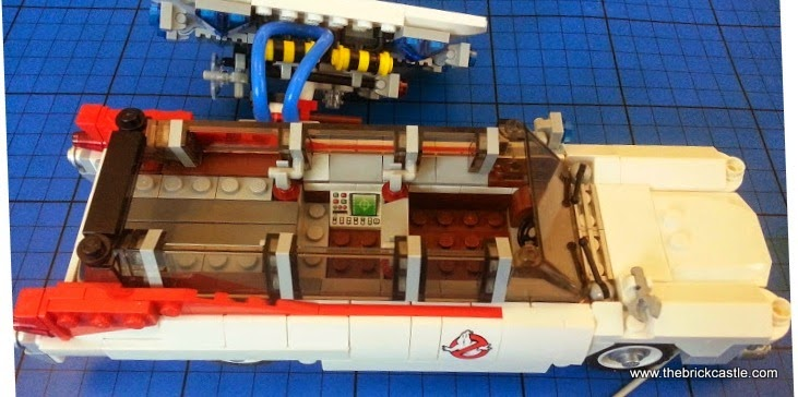 The LEGO Ghostbusters Ecto-1 Car and Minifigures set 21108 vehicle inside detail
