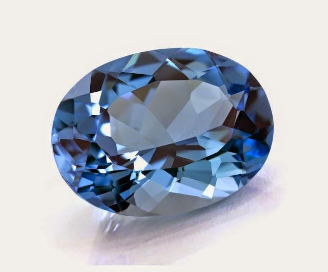 Hasil gambar untuk April Selebriti Berbagi Batu Kelahiran Berlian Dengan Anda