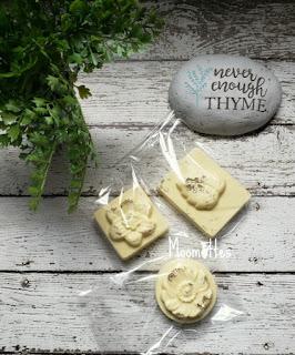 DIY Handmade Melt and Pour Soap Lemon and Honey