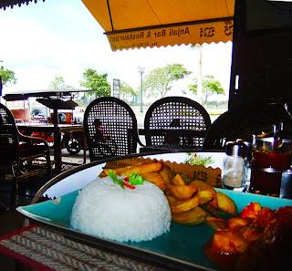 Sisowath Quay Phnom Penh Lunch