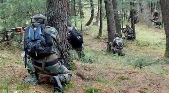 Attack: सुरक्षा बलों पर आतंकियों ने किया हमला, BSF के दो जवान शहीद