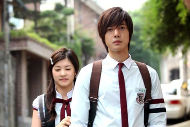 Drama Korea Paling Populer - Playful Kiss