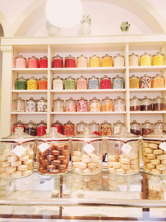 San Francisco Bucket List: Get $1 macarons during macaron happy hour at Miette
