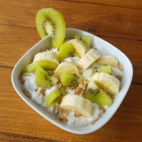 smakmojegodomu.blogspot.com/2019/06/jogurt-z-patkami-orkiszowymi-bananem-i.html