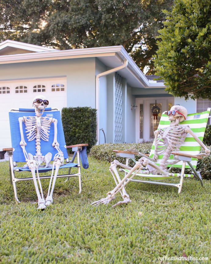 Front Yard Halloween Ideas Part - 36: Put A Few Skeletons In The Front Yard