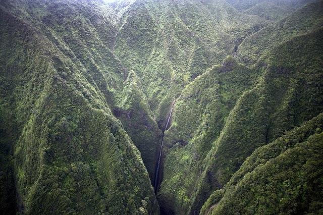 waterfall between on Hawaii Mountain