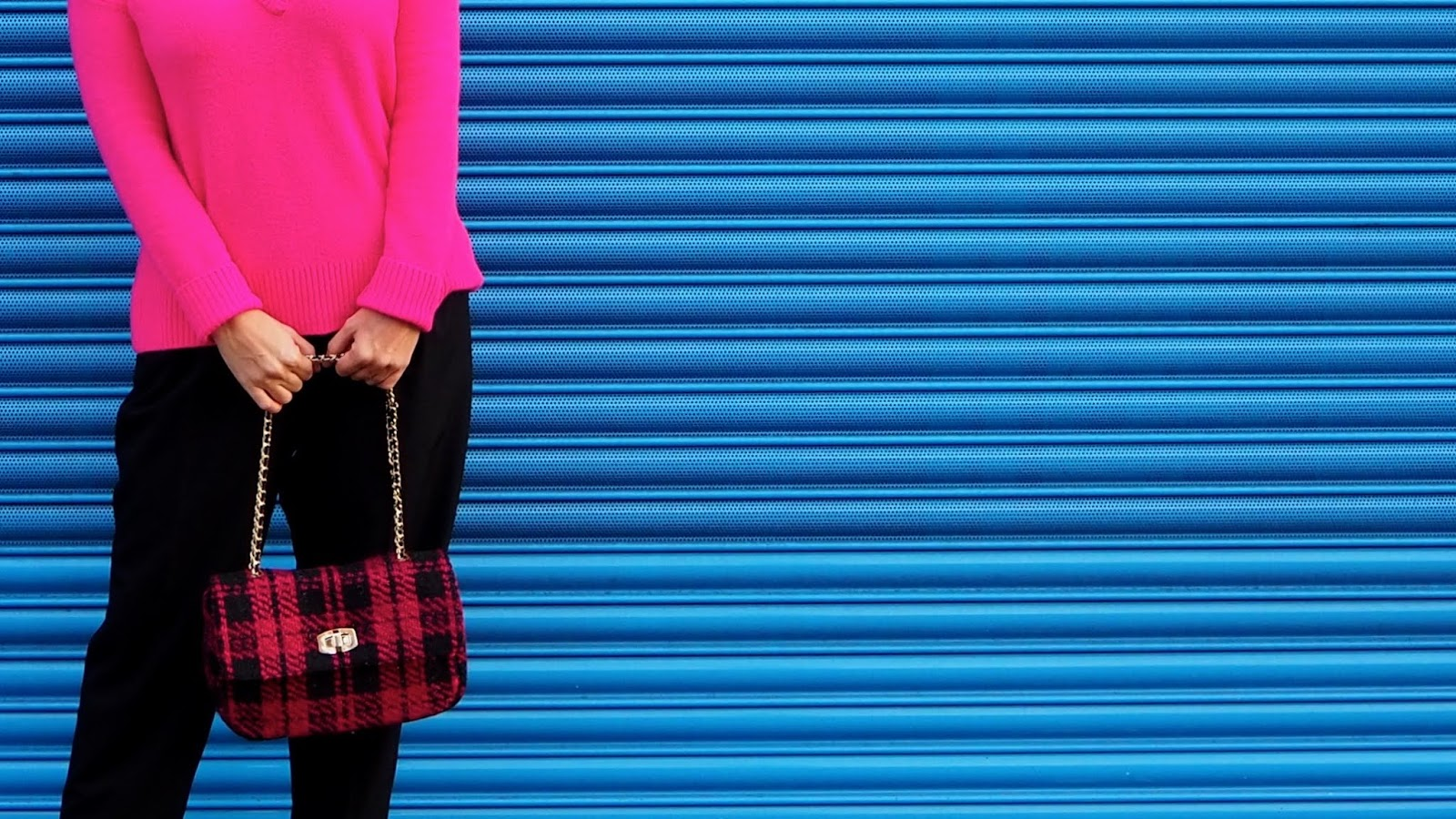 Black & Pink tweed bag with chain shoulder strap