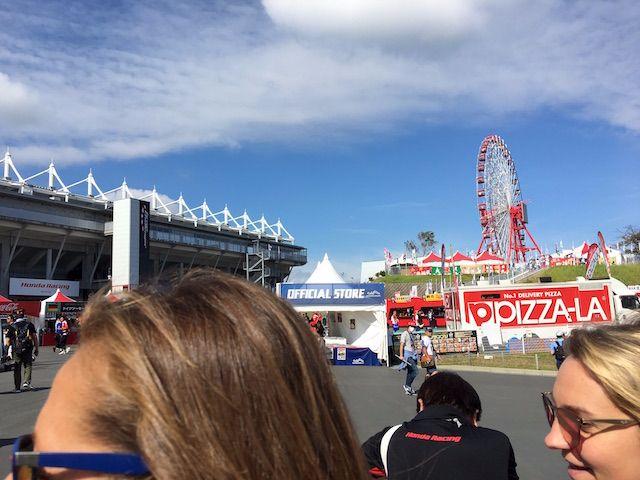F1日本グランプリ2017 フェラーリPRのお姉さん