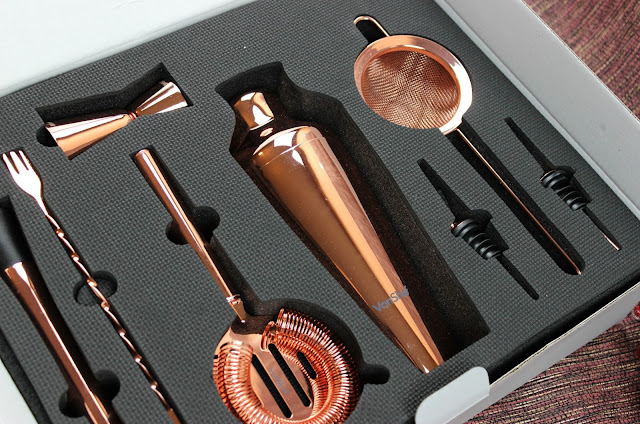A review of VonShef 9 Piece Parisian Copper Cocktail Shaker Set Gift Box