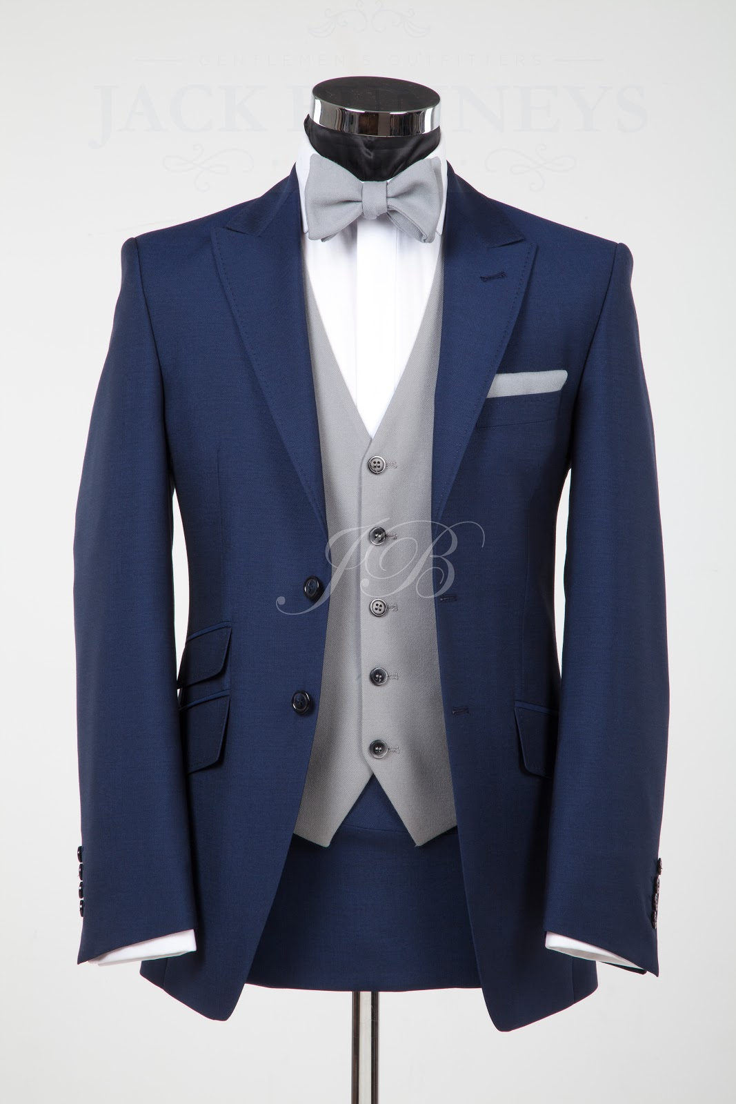 The Bunney Blog: Wedding Suits with Bow