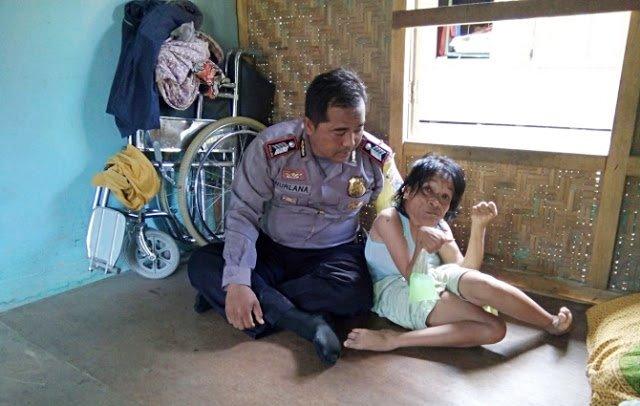 Urus Warga Jompo, Orang Cacat Hingga Wakafkan Tanah Untuk Masjid, Polisi Ini Pantas Dijadikan Teladan