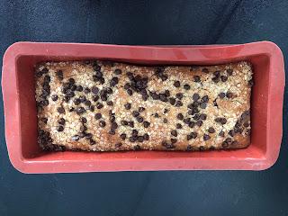 Cake aux flocons de quinoa et aux pépites de chocolat après cuisson