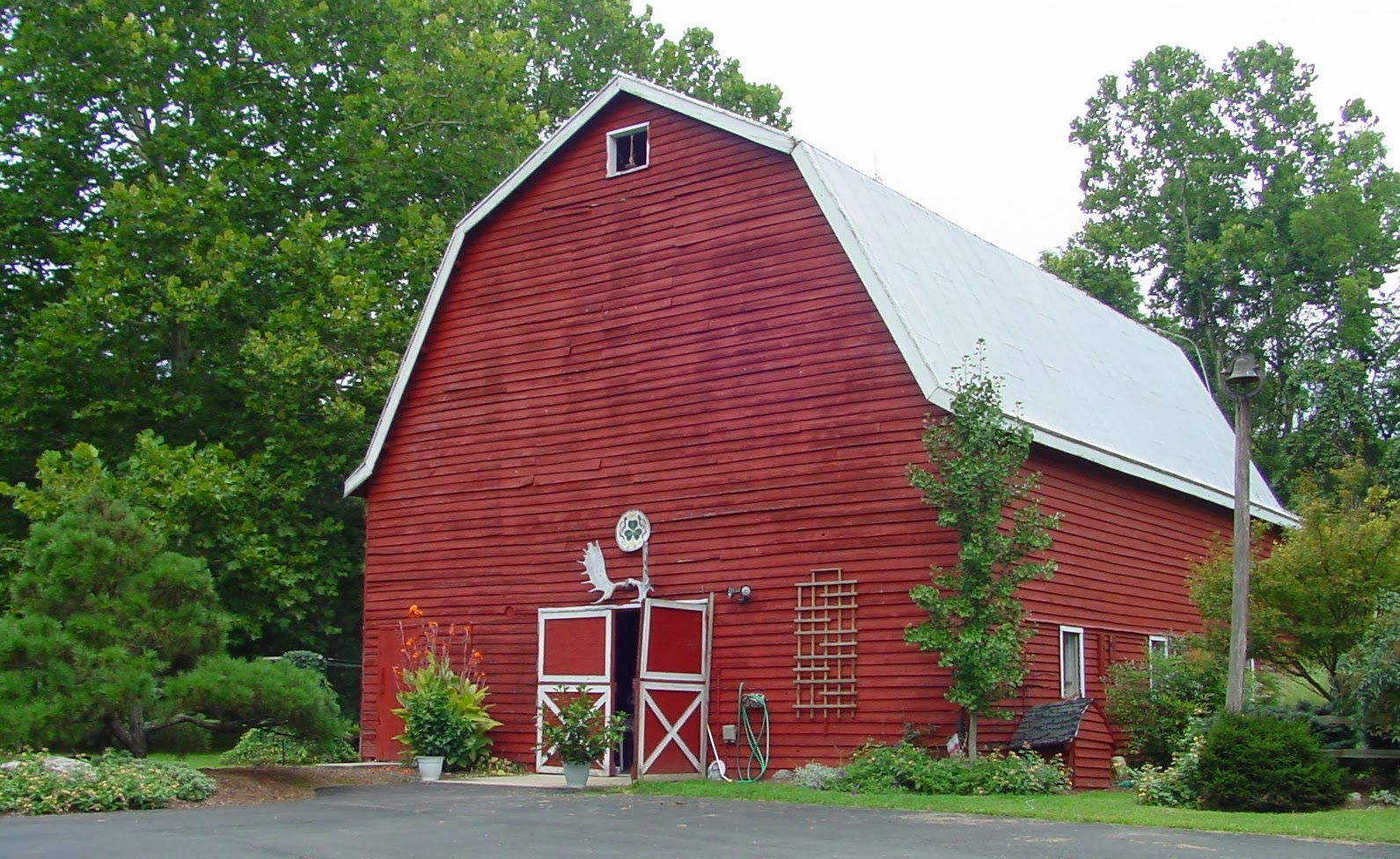 Caroline Home and Garden: Red Barn View