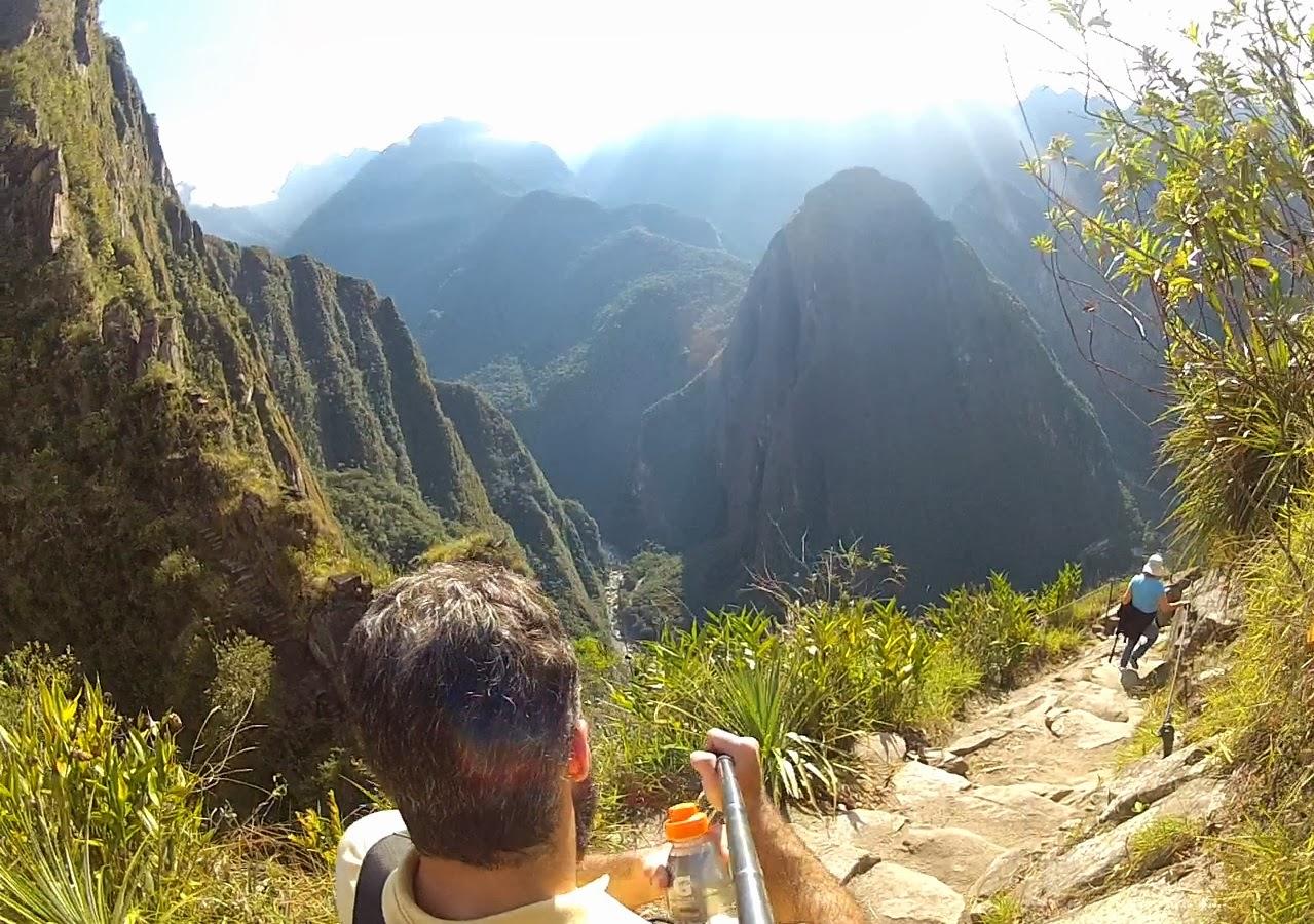 Subindo a montanha Huaynapicchu. Rumo ao cume.