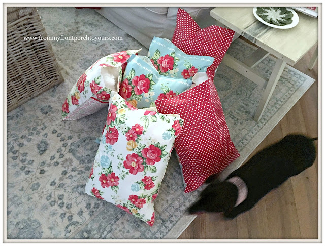 Porch Pillows-DIY-Pioneer Woman Placemats-From My Front Porch To Yours