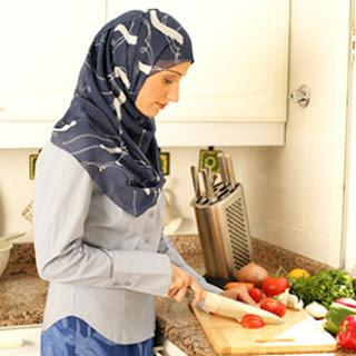 Apakah Istri Harus Bisa Masak? Inilah Jawabannya