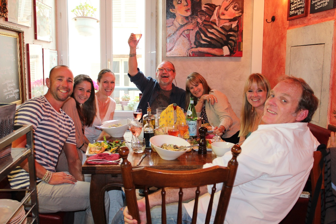 domestic goddesses dinner with friends in old antibes. Black Bedroom Furniture Sets. Home Design Ideas