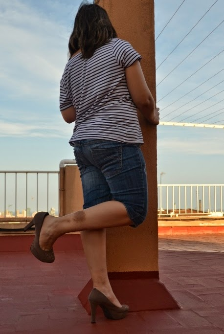 Crushandtrampling Trampling With High Heels And Jeans
