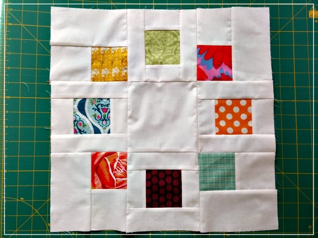 Puppilalla, Circle of Squares, Toefeather, Scrap busting, Stash Bee, Quilting Bee Block