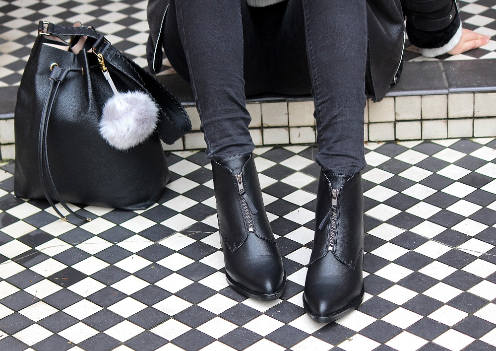 public desire boots monochrome outfit worn by peexo