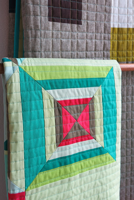 Luna Lovequilts - Modern baby quilt in solid fabrics - Close-up