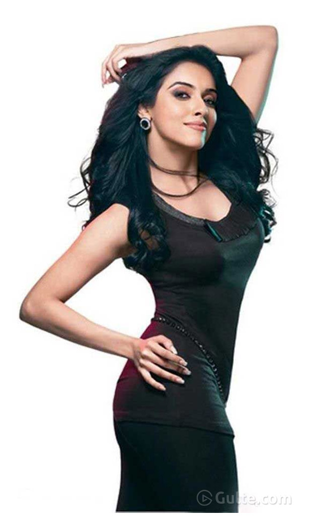 Actress Asin Sexy Pose will Tempt you