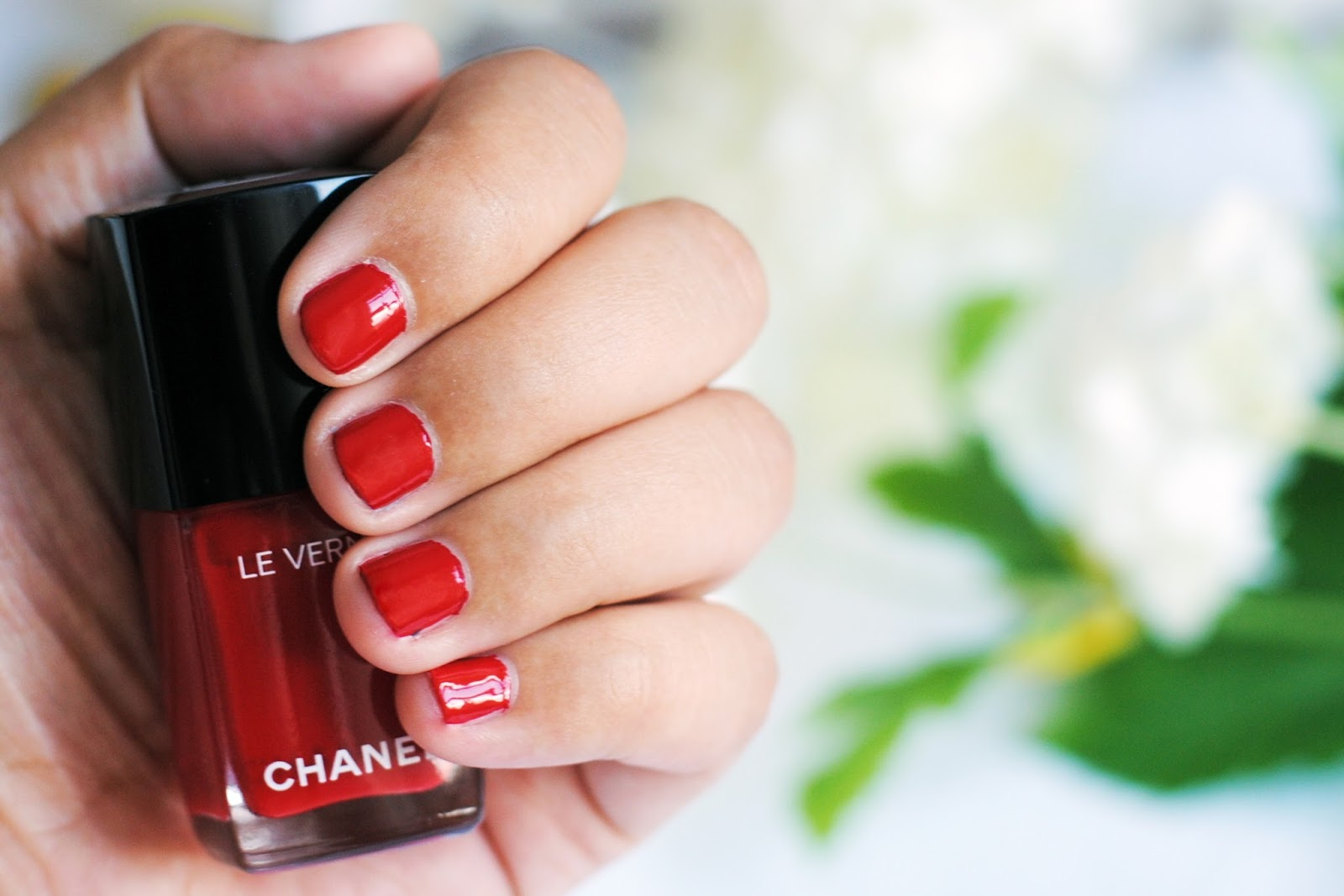 3ff066b7f3e I have always liked Chanel nail polishes. The only bad remark they often  got was that they didn t last long. The new Chanel Le Vernis Longue Tenue  is