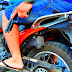 Dupla armada rouba moto de popular no Centro da cidade de Sousa e foge sem deixar pistas