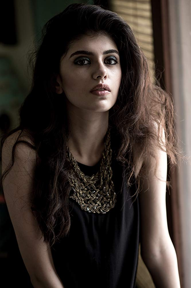 Actress Sanjana Sanghi HD Image Gallery