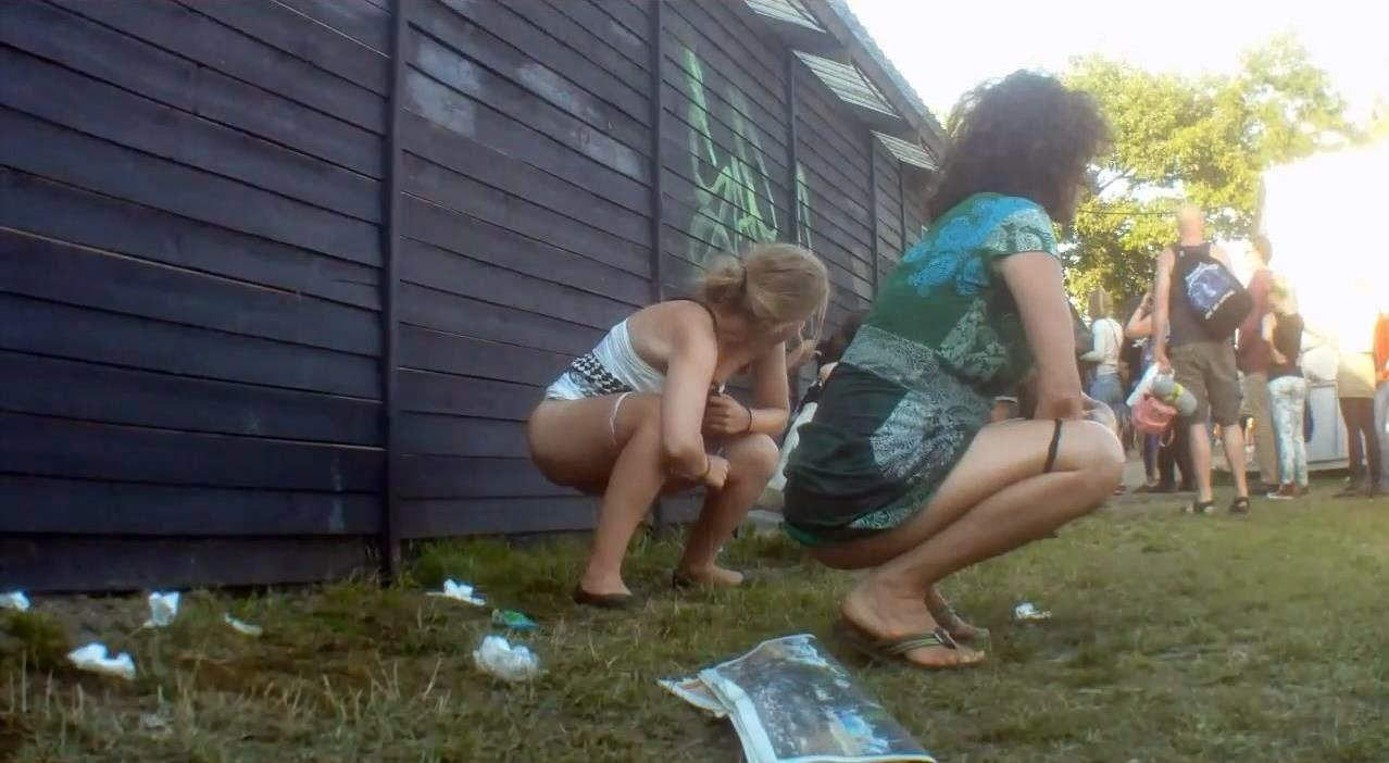 Keep smoking girls peeing at festivals luvs the