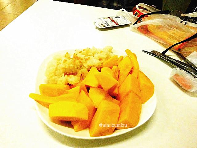 makanan thailand manggo stick rice