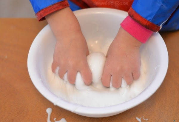 ICY-COLD SNOW SLIME- only 2 ingredients! #slime #slimerecipeeasy #slimeforkids #snowslime #snowslimerecipe #growingajeweledrose #playlearngrow