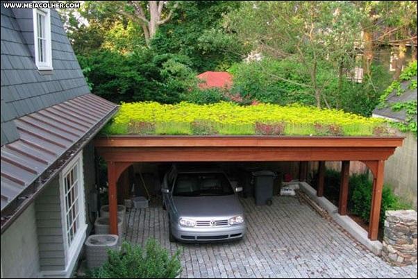garagem com flores no telhado