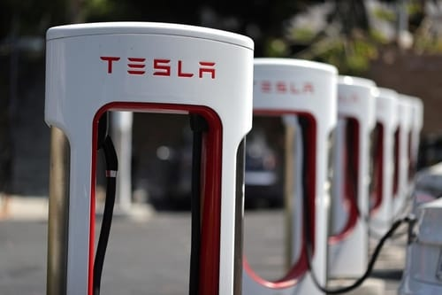 Tesla launches a $ 5 billion equity offering