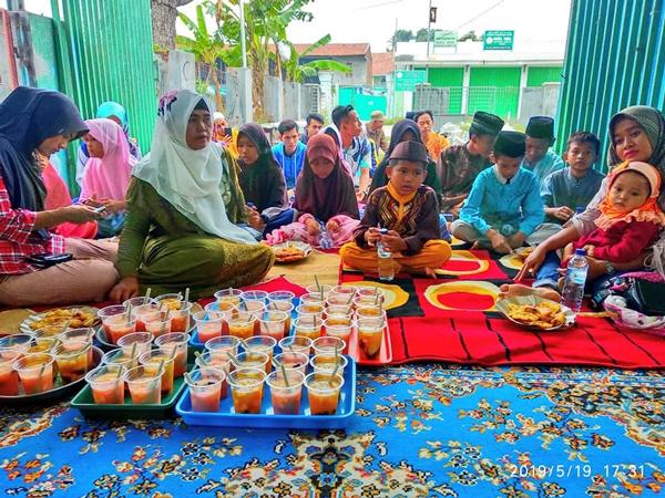 SI ABANG Babelan dan Komunitas Pemuda Lainnya Gelar Buka Bersama Dan Santunan